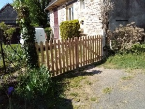 portail en bois lames arrondies Douglas 87