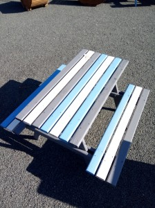 table pique nique enfant en bois