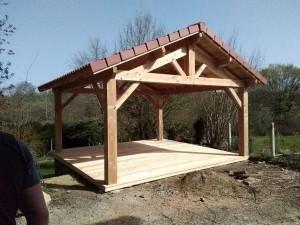 abri 2 pans + terrasse bois douglas