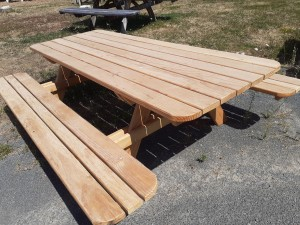 table extérieur pique nique douglas